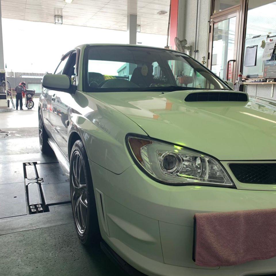 タイヤ持ち込み交換 スバル インプレッサ 245/40R18 4本7000円ご来店いただきました。