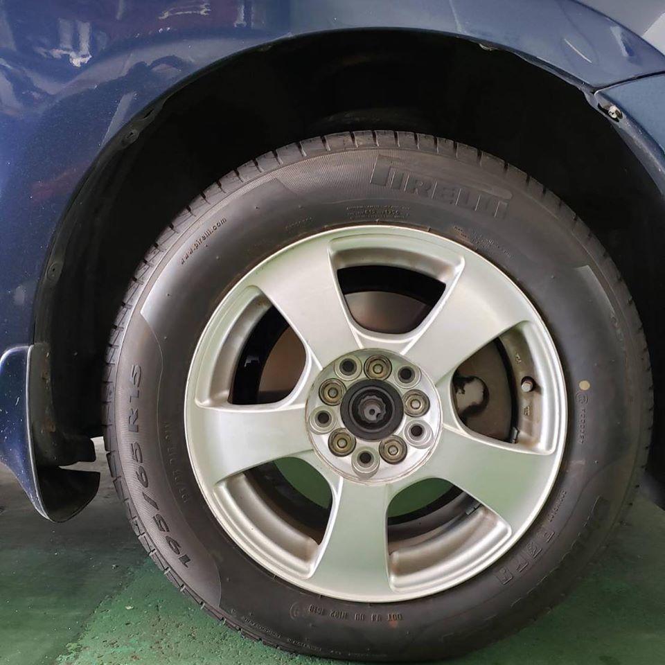 タイヤ持ち込み交換 トヨタ ヴィッツ 195/65R15 4本6000円ご来店いただきました。