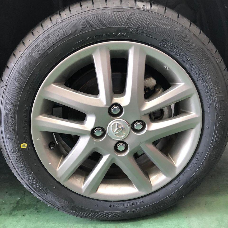 三重郡、タイヤ持ち込み交換 出光 ミルクロード店 トヨタ カローラフィールダー 185/60R15 4本6000円