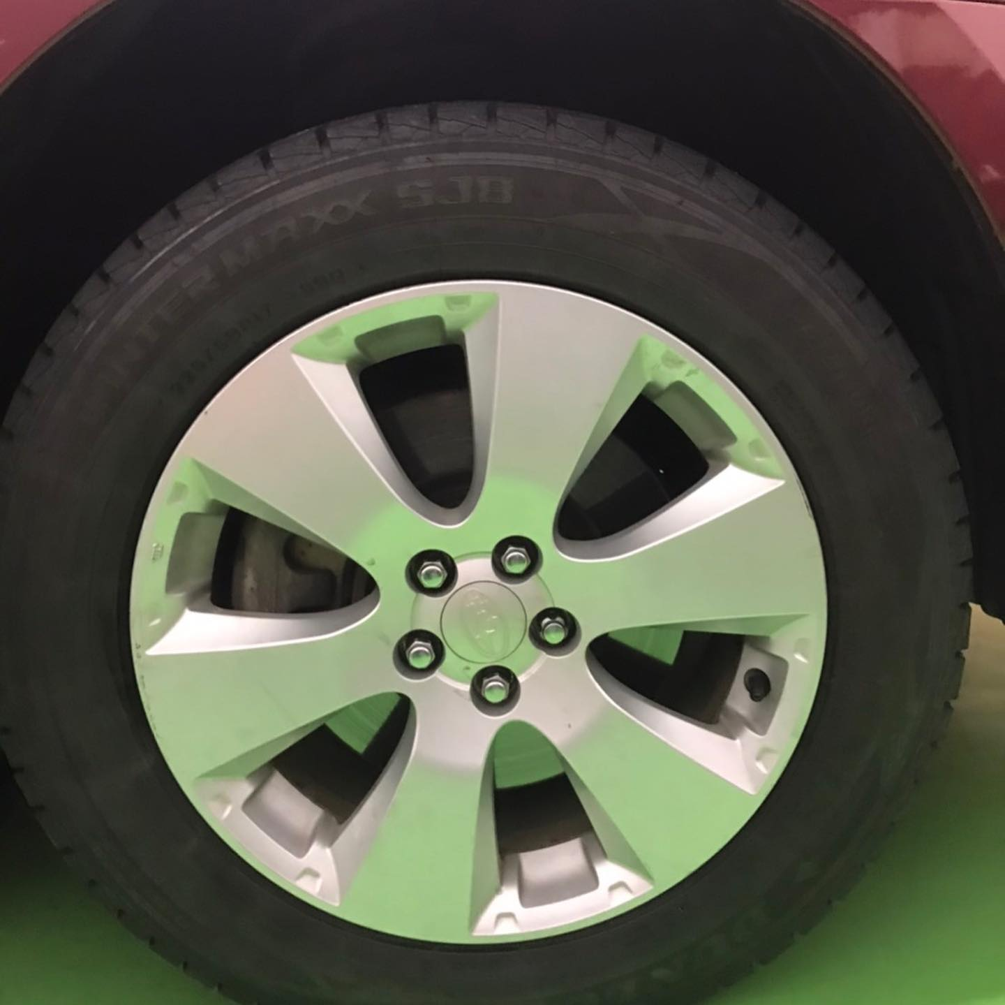 【話題の節約術】タイヤ持ち込み交換 シェル セルフニューハートSS スバル  レガシィ  225/60R17 4本 7000円