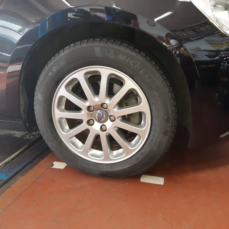 石川県白山市、タイヤ持ち込み交換 出光 セルフプリテール福留SS  VW  S60   205/60R16 4本6000円