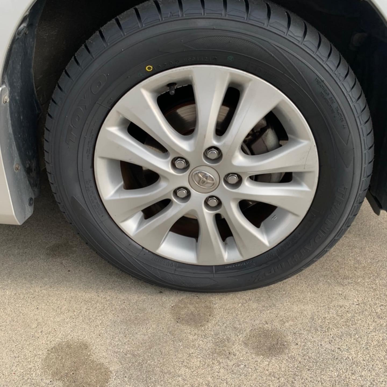 三重郡、タイヤ持ち込み交換 出光 ミルクロード店 トヨタ  ノア 205/60R16 4本6600円